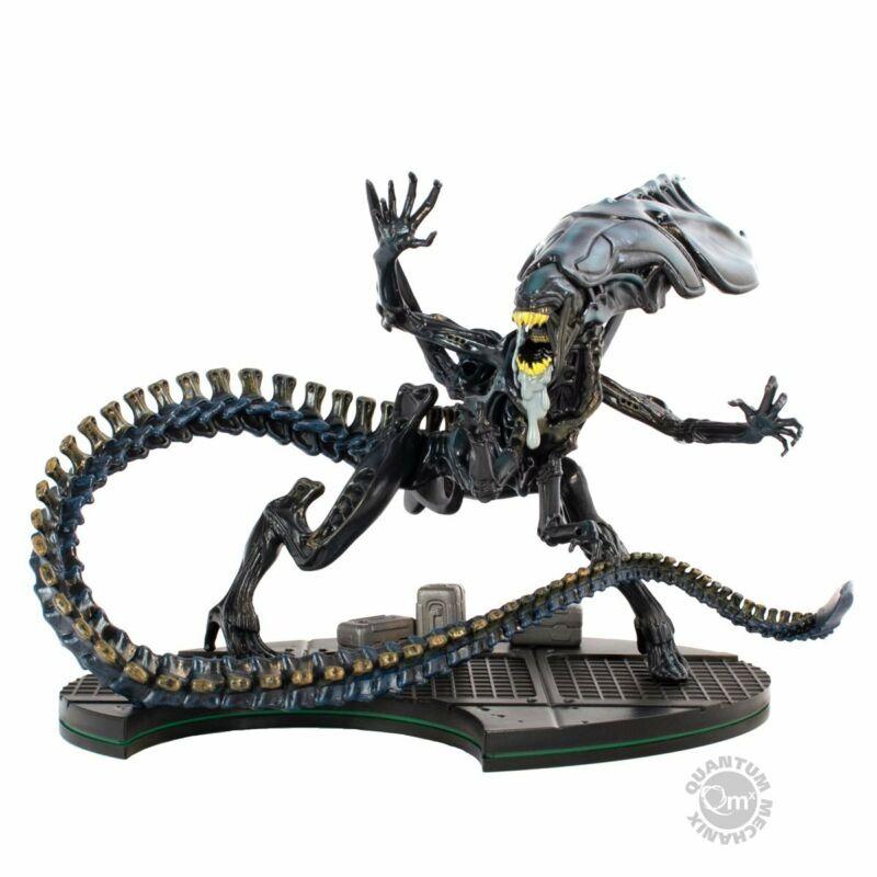 Quantum Mechanix Aliens Alien Queen Q-Fig Max Elite Figure
