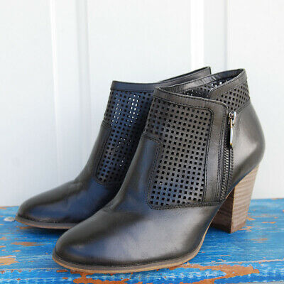 Black Perforated Leather Ankle Boots (Bella Vita Women's Black Fashion Perforated Leather Ankle Boots/booties Size 7 M )
