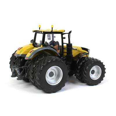 1:64 Challenger 1050 Tractor 2020 Farm Show Edition by Spec Cast 2