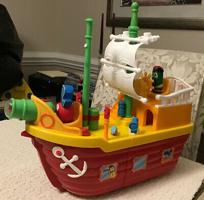 VeggieTales Light N Sound Activity Pirate Ship - RARE, Includes Bob & (Veggietales Light N Sound Activity Pirate Ship)