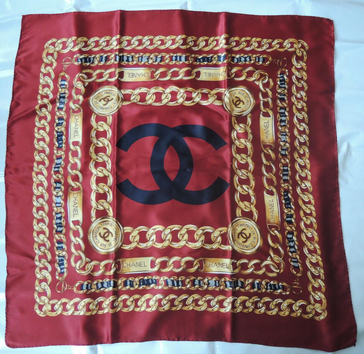 Foulard chanel en soie -100*100cm - très bon état. vintage