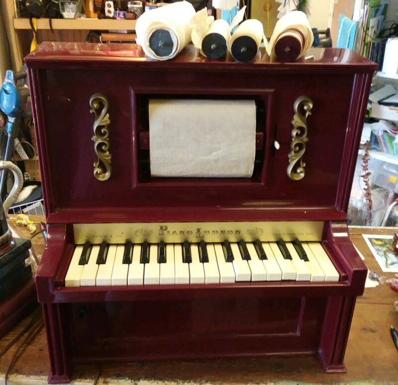 J. Chein & Co. Piano Lodeon Toy Player Piano #909