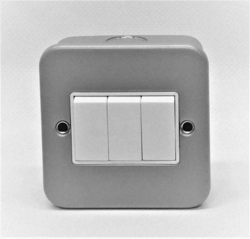 10AX 10 Amp 250V 3 Gang 2 Way Electrical Light Switch Metal Clad Plate Box Grey