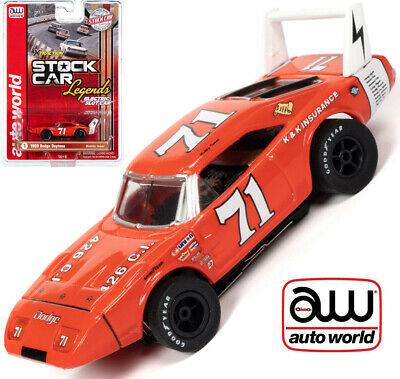Auto World Xtraction R31 1969 Dodge Daytona Bobby Isaac HO Slot Car SC355