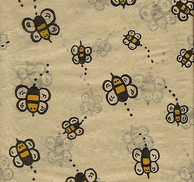 Buzzing BUMBLE BEE Tissue Paper on Kraft background # 265 ~ 10 Large Sheets - Tissue Paper Backdrop