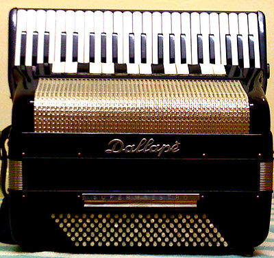 Dallape Super Maestro-140 B Piano Accordion-double Cassotto-43/140-4v/14r-5v/5r