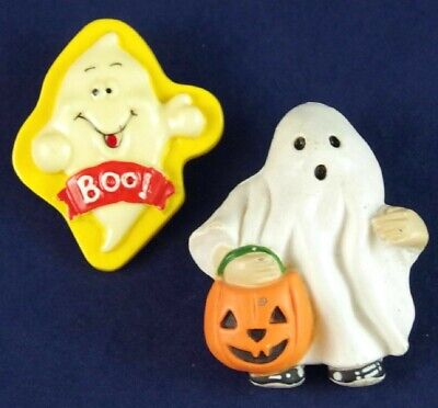 Lot 2 VTG CUTE DIMENSIONAL PLASTIC HALLOWEEN GHOST & TRICK OR TREATER BROOCH PIN