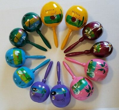 TRADITIONAL HAND PAINTED WOOD PARTY SHAKER Mexican MARACAS Medium - Decoration