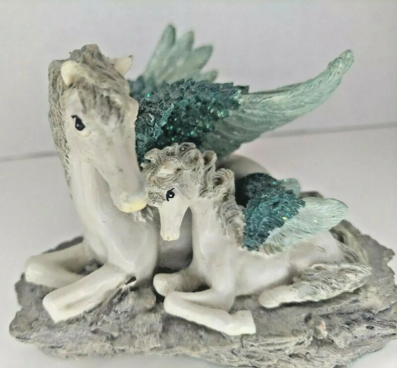 """Mother Pegasus with Foal by Lipco 3"""" Tall"""