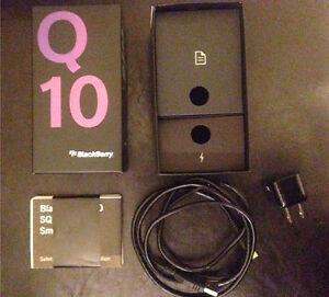 Blackberry Q10 box, charger & manual