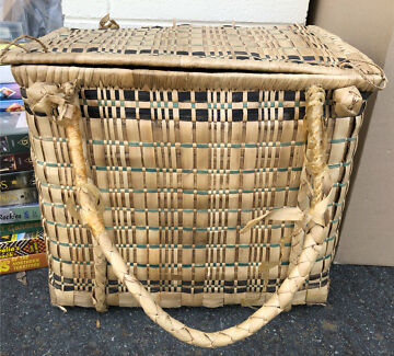 Genuine Retro Basket