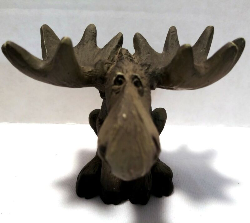 Moose 1998 Singing Tree Presents Moose Resin Figurine Vintage Woodlands Animal