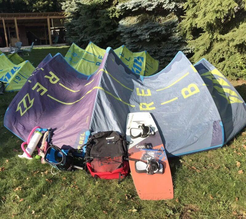 Kiteboard Complete - 12 M North Rebel + Bar, Board, Harness, Pump, Bag, Leash &+