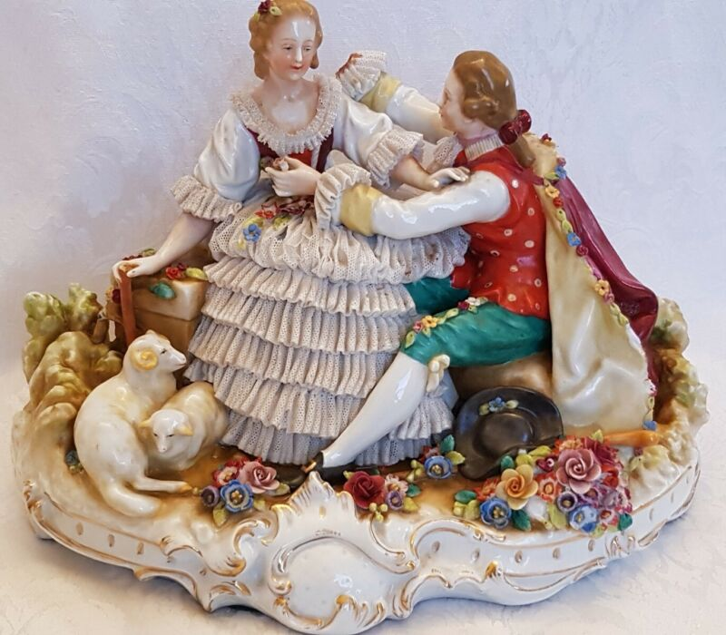 ANTIQUE DRESDEN Capodimonte Porcelain Seducer VICTORIAN COUPLE LARGE SCULPTURE