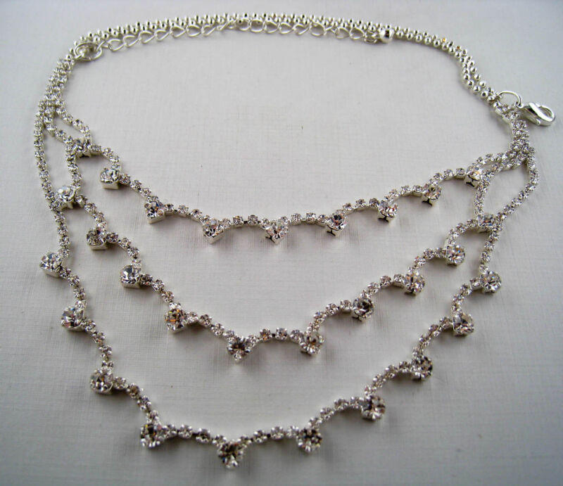 Vintage Style Silver Plated Crystal Rhinestone Tiered Bib Necklace R42