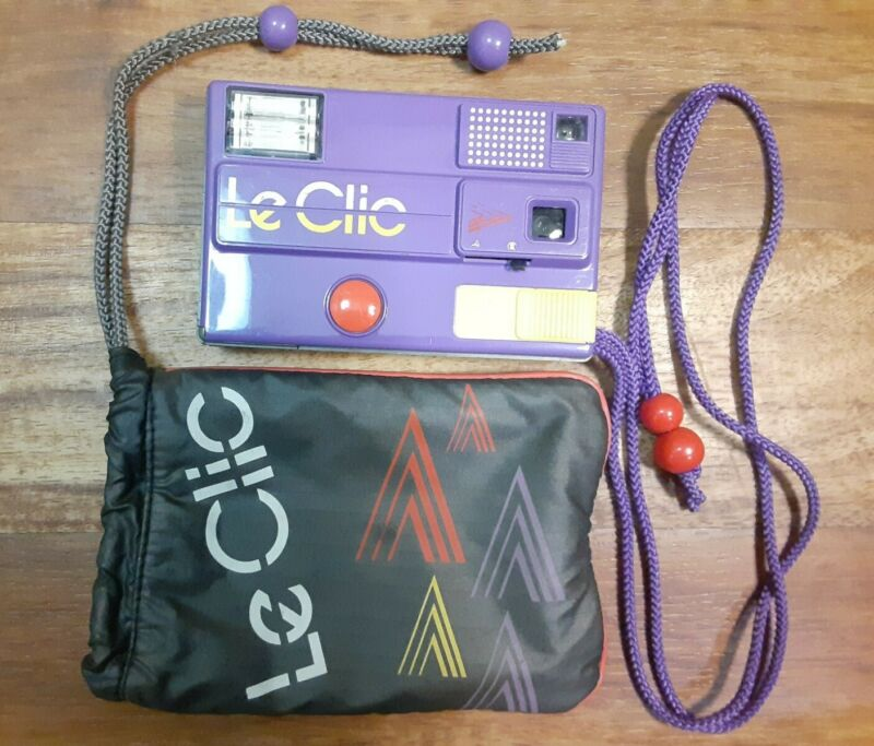 VINTAGE ( LE CLIC ) Purple Camera 1980