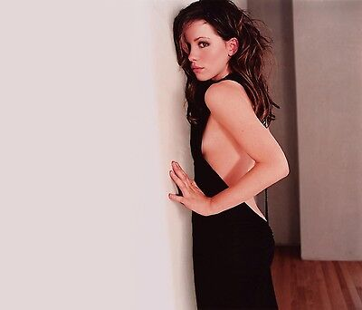 Kate Beckinsale Unsigned 8X10 Photo  40