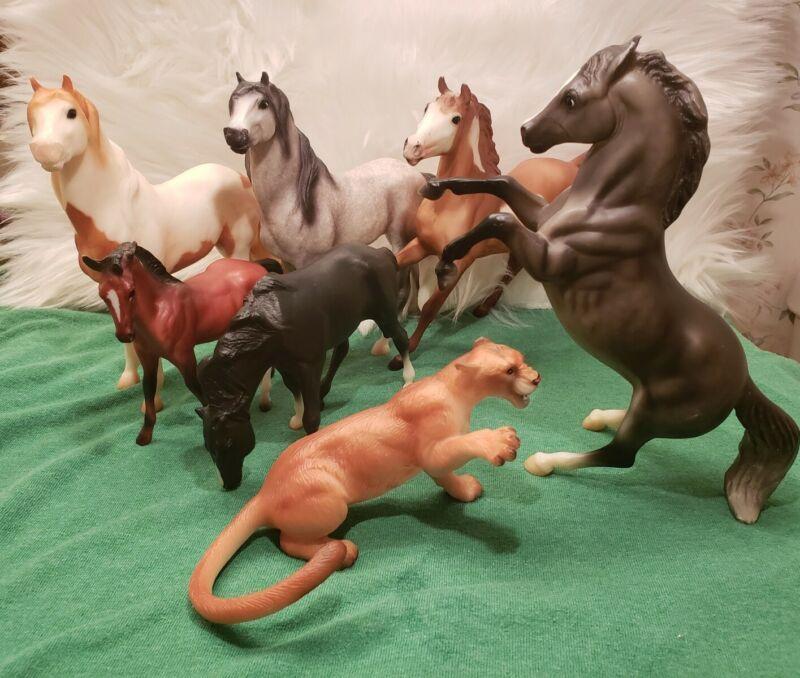 Breyer Horse Mustang and Cougar Lot of 7  Classics (6 horses 1 Cougar)