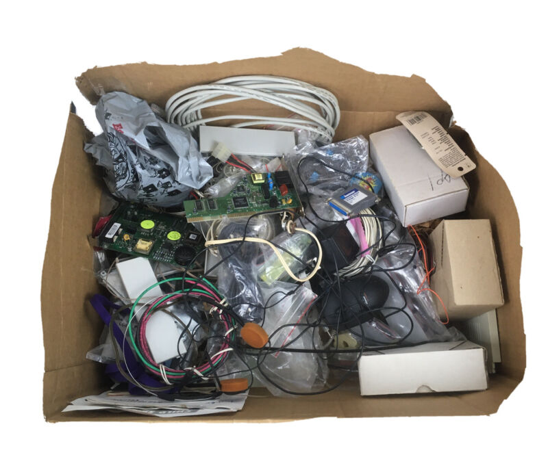 Big Random Lot ~ Old Computer Parts/electronics/wires/manuals & More Untested