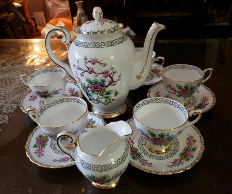 Vintage Tuscan Bone China Ki-ming F196 14pc.Set~ Teapot & Creamer with teacups