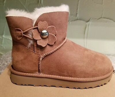 332e011d4f3 Ugg Bailey Button Poppy for sale | Only 4 left at -70%