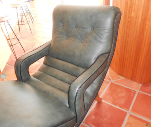 Vintage 1950/1960 Contour Lounge Reclining CHAIR by Saint Louis Chair Company.