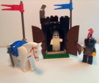 Vintage (1990) LEGO Castle Knights set 6034 Black Monarch's Ghost + 6009 set