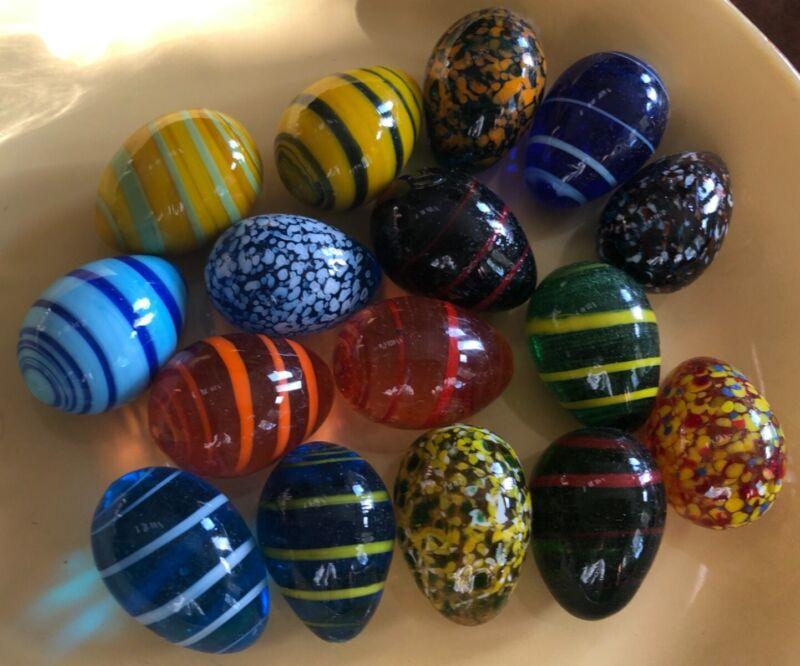16 MINIATURE MURANO GLASS EGGS