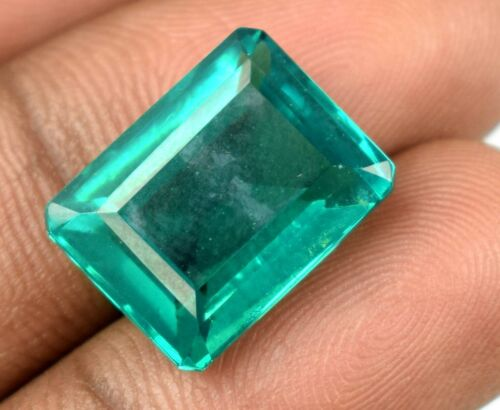 20.05 Carat Colombian Emerald Gemstone Emerald Cut 100% Natural Certified V9224