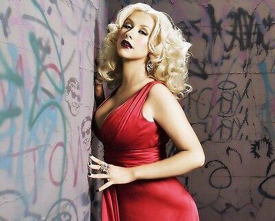 Christina Aguilera Unsigned 8x10 Photo (119)