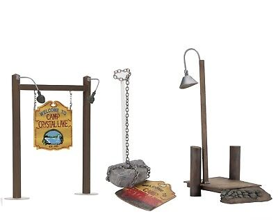 Friday the 13th – Camp Crystal Lake Accessory Set - NECA