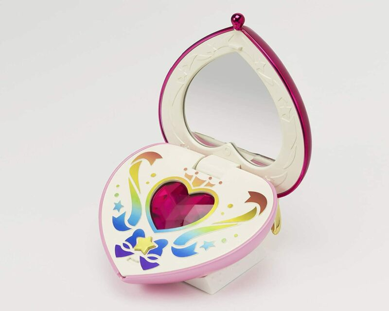 *NEW* Sailor Moon: Chibi Moon Compact Proplica