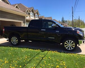 2014 Toyota Tundra Limited for sale - LOW KM'S!