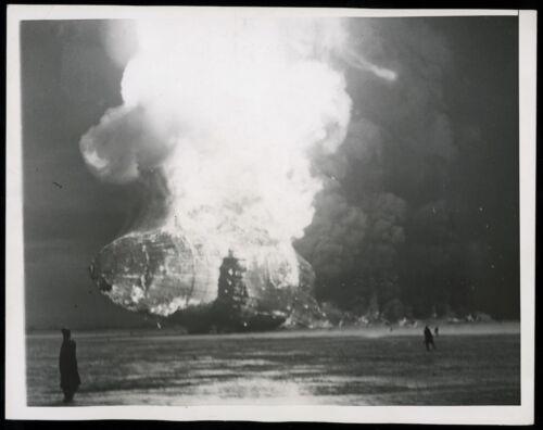 1937 Zeppelin LZ 129 Hindenburg Airship crash Lakehurst Type 1 Original Photo