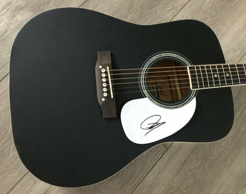 """DUSTIN LYNCH SIGNED AUTOGRAPH BLACK 41"""" FULL SIZE ACOUSTIC GUITAR w/PROOF"""
