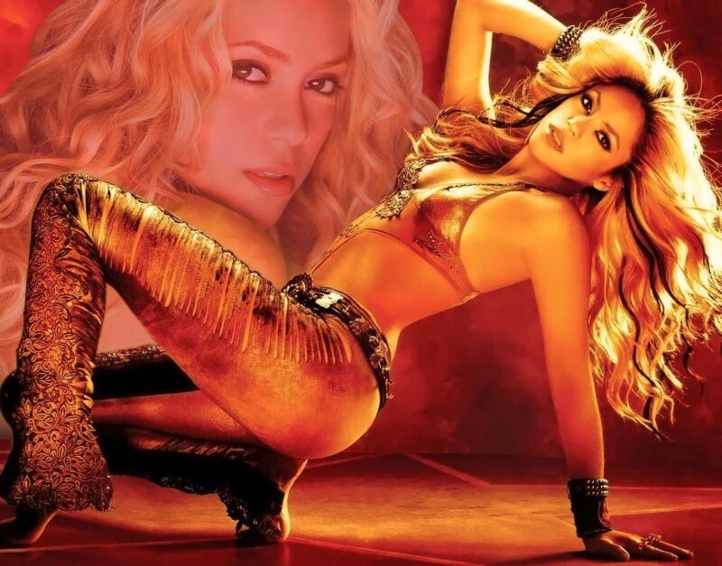 Shakira Unsigned 8x10 Photo (43)