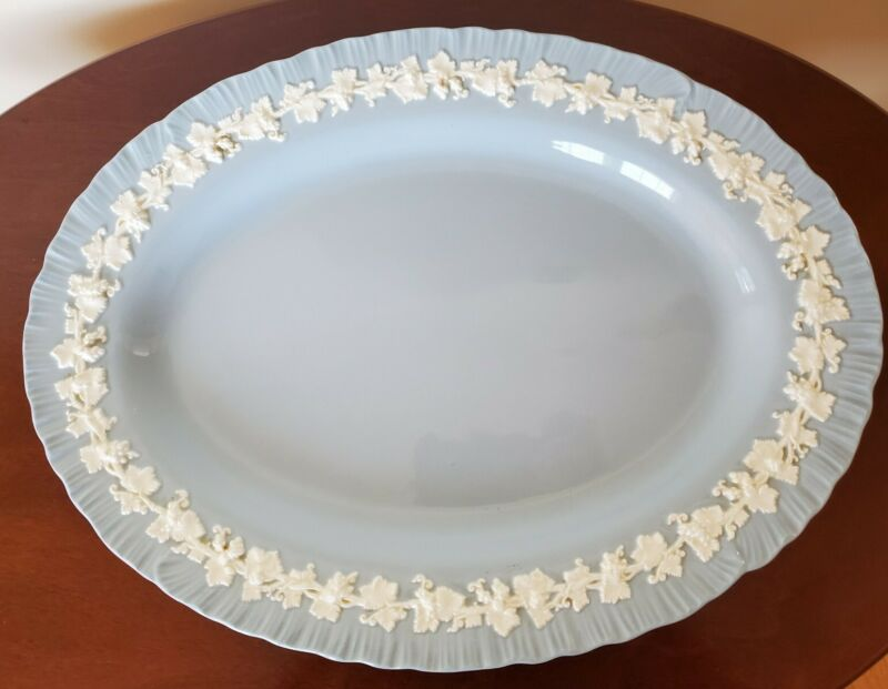 """Wedgwood Queensware OVAL SERVING PLATTER (14"""") Cream on Lavender Shell Edge"""