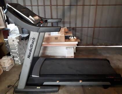 NordicTrack T14.2 Treadmill 3.0CHP Motor 51x148cm Gym Running Fit