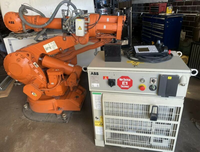 ABB Robot IRB 4400 M2000 45KG Complete With Controller And Pendant Warranty