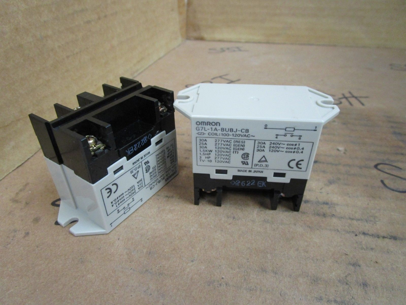 Omron G7l 1a Bubj Cb Enclosed Power Relay 30a 120vac Coil Spst Ebay Stock Photo