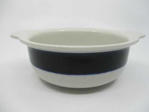 """ARABIA OF FINLAND ANEMONE LUGGED CEREAL BOWL - 6 3/8"""" x 2 1/8"""" 1203H"""