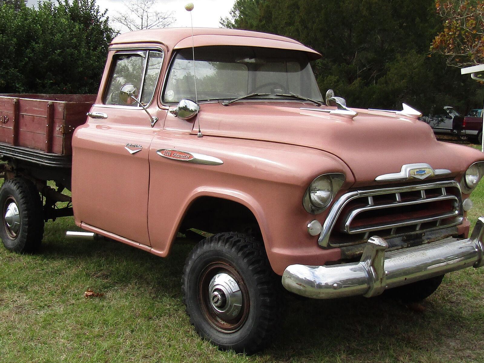 1957 CHEVROLET   4X4 PICKUP