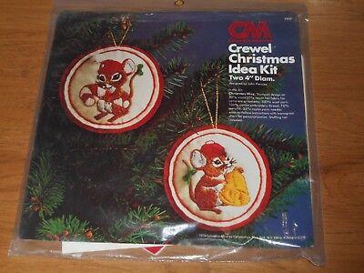 COLUMBIA MINERVA CREWEL CHRISTMAS IDEA KIT - CHRISTMAS MICE  # 7948 - Minerva Mouse