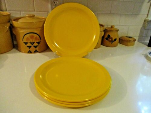 Four Vintage Texas Ware Serving Dish Melamine Dinner Plates USA Yellow Gold