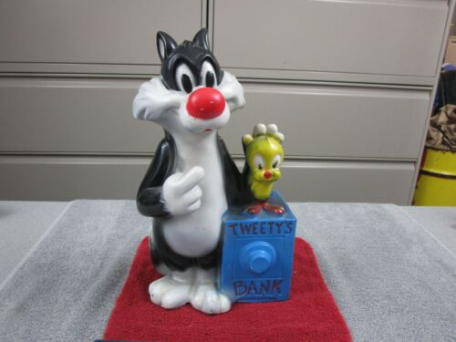 Vintage 1972 Warner Bros. Sylvester the cat with Tweety bird Bank