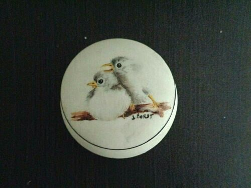 VINTAGE PORCELAIN HAND PAINTED SIGNED J. PORST TRINKET BOX BIRD & NEST