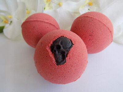 Bath Bombs With Skull Soap - Horror Bath Bombs - Halloween Bath Bomb - Halloween Bath Bomb