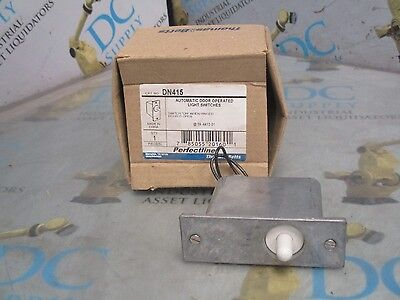 THOMAS & BETTS DN415 5 AMP 125 VAC AUTOMATIC DOOR OPERATED LIGHT SWITCH