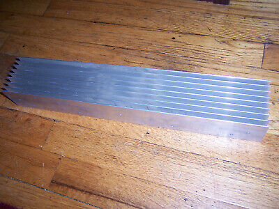 Large Long Flat-bottom Aluminum Heatsink 17 X 3 X 2.25 43 X 7.5 X 5.7 Cm