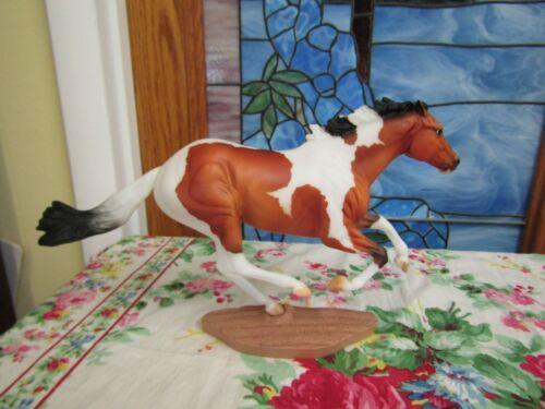 Dark Horse Surprise 2018 Special Run Paint Traditional Breyer Horse SR LE